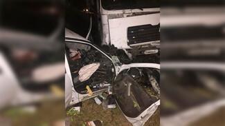 Под Воронежем водитель фуры снёс легковушку и скрылся: погибла девушка