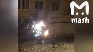 Воронежские спасатели потушили пожар снежками