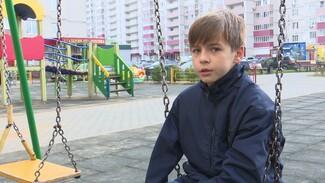 «Я держу, а ты бей». В Воронеже полиция проверит мать после видео с детской дракой