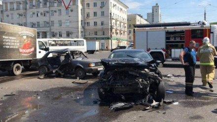 Полицейские назвали версию смертельного ДТП у цирка в Воронеже