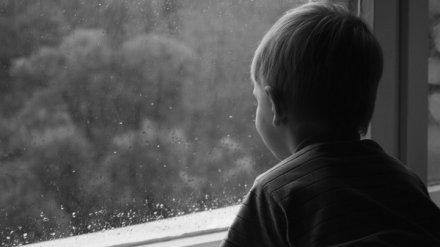 «Не отдавайте маме». Как сидевший на цепи воронежский мальчик спасся от родителей-извергов