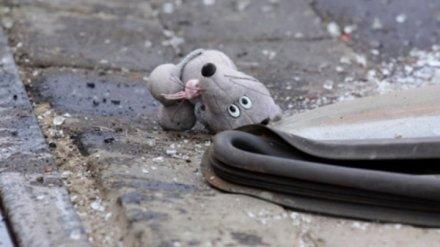 На трассе под Воронежем опрокинулась иномарка: пострадали двое детей и женщина