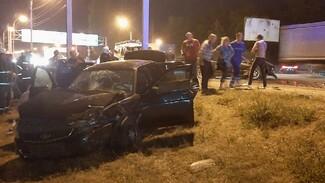 Водитель BMW устроил ДТП с двумя пострадавшими в Воронеже и сбежал