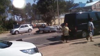 В Воронеже в массовом ДТП с участием микроавтобуса пострадали 5 человек