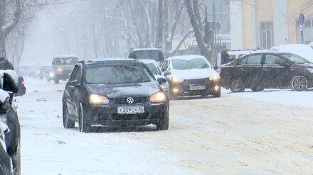Огромные пробки и массовые ДТП. Как воронежцы пережили первый снегопад