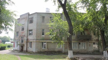 Под Воронежем начали возводить дом для переселенцев