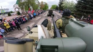 Парад Победы в самом большом селе России под Воронежем собрал тысячи зрителей