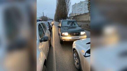 Выезд на встречку обернулся для воронежской автомобилистки крупным штрафом