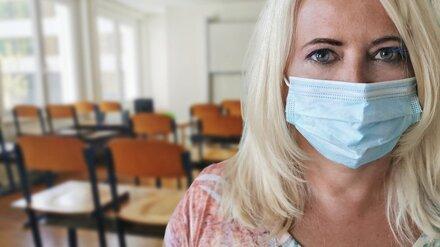 В Воронежской области выросла заболеваемость COVID-19 среди учителей и госслужащих