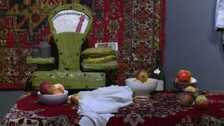 «На берегах Воронежского моря». Открылась выставка об искусстве 80-х и 90-х годов