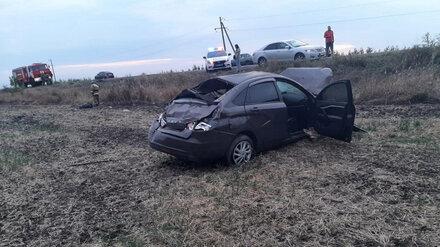 В Воронежской области в перевернувшейся машине погибли два человека