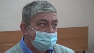 «Не пойму, за что меня?». В Воронежской области начался суд над щедрым экс-директором МУПа
