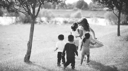 Растившую 5 детей в грязи и голоде воронежскую мать лишили родительских прав