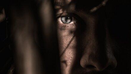 Удушье и круги перед глазами. Изрезавший любовника жены воронежец доказал состояние аффекта