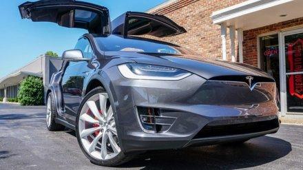 В Воронеже началась продажа электрокаров Tesla