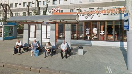 На остановке в Воронеже нашли тело пенсионера