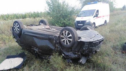 В Воронежской области пассажир вылетевшей в кювет иномарки скончался на месте