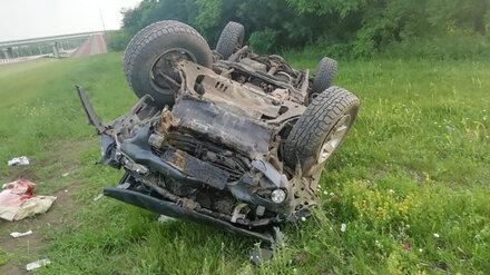 В Воронежской области внедорожник перевернулся на крышу: пострадал водитель-пенсионер