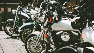 В Воронежской области пьяный водитель разбил мотоциклы байкерского клуба на 600 тысяч