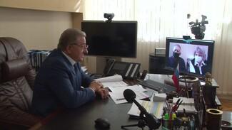 Воронежского сенатора попросили купить защитные костюмы для работающих с COVID-19 медиков