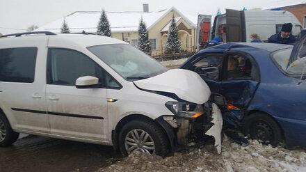 Один человек погиб и двое пострадали в ДТП с иномарками в Воронежской области