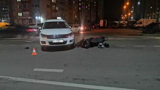 Двое подростков на скутере пострадали после столкновения с кроссовером