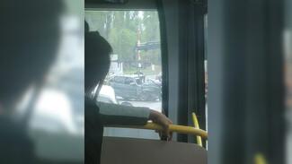 Молодой автомобилист пострадал в ДТП с грузовиком в Воронеже