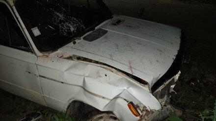 Пьяный автомобилист получил травмы после ДТП с деревом в Воронежской области