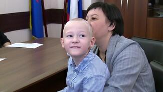 Юный воронежец с серьёзными заболеваниями благодаря реабилитации пошёл в обычную школу