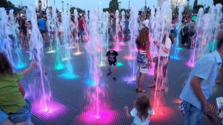 Воронежцам напомнили график работы фонтанов на Советской площади