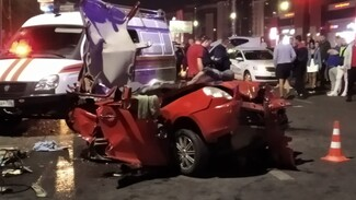Воронежца, устроившего пьяное ДТП с 2 погибшими на Московском проспекте, отпустили домой