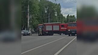 В центре Воронежа столкнулись маршрутка и пожарная машина