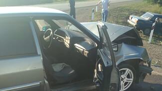 В Воронежской области в ДТП с двумя автомобилями 1 человек погиб и 4 пострадали