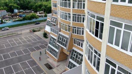 Воронежцу пригрозили убийством за отказ платить за парковку во дворе элитного дома