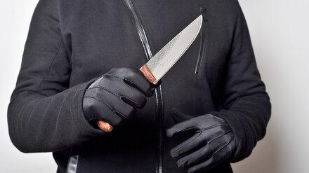 В Воронеже вооружённый ножом мужчина напал на салон микрозаймов