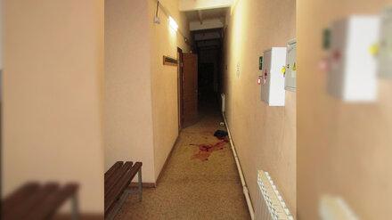 В общежитии в Воронежской области пьяный мужчина ударил друга ножом в горло