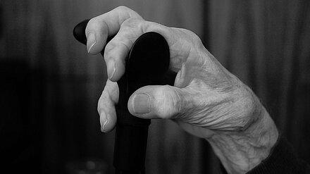 В Воронежской области женщина придушила пенсионерку ради 90 рублей