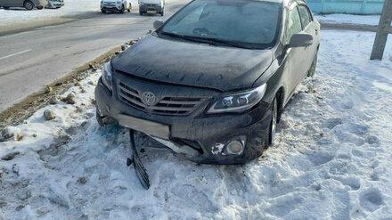 В Воронеже водитель иномарки попал в больницу после обгона