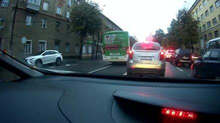 В Воронеже маршрутчика наказали за объезд пробки по встречке после видео в соцсетях