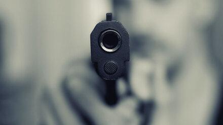 Мужчина с пистолетом залез в дом воронежца через окно и отобрал 550 рублей