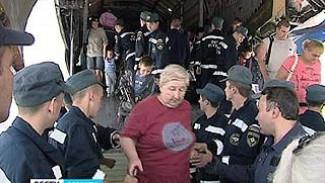 Из Симферополя через Воронеж в Липецк. Ещё 122 вынужденных переселенца приземлились в аэропорту Воронежа