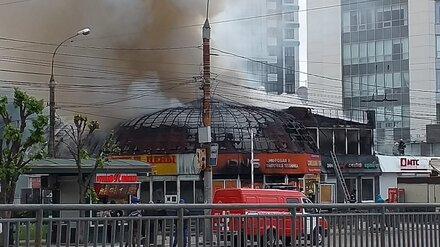 Воронежцы показали фото последствий мощнейшего пожара в здании DNS