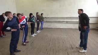 Школьники из воронежского села переедут в новый спортзал после 20 лет занятий в экстремальных условиях
