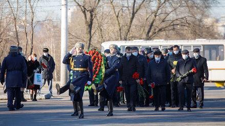 Воронежские депутаты почтили память погибших героев Отечества