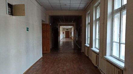 В воронежском райцентре из-за нарушений антиковидных мер закрыли школу