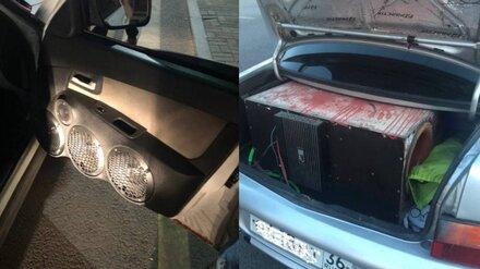 Воронежские гаишники начали снимать машины с регистрации за кустарный автозвук
