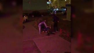 Воронежцы сняли на видео, как неизвестные жестоко избили парня во дворе многоэтажки