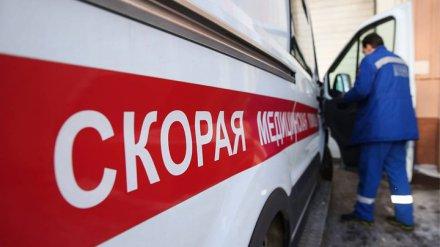В Воронеже пытавшийся покончить с собой мужчина угрожал приехавшим на вызов фельдшерам