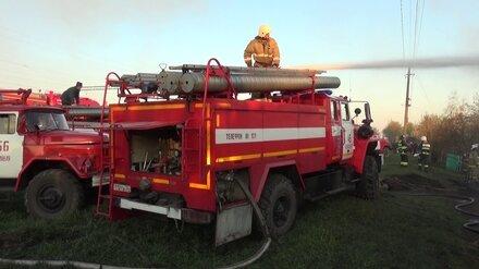 Крупный пожар в воронежском Хреновом приблизился к дачам
