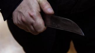 В Воронеже неизвестный ранил ножом 57-летнего мужчину